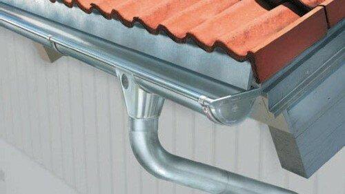 Как самим сделать водосток с крыши